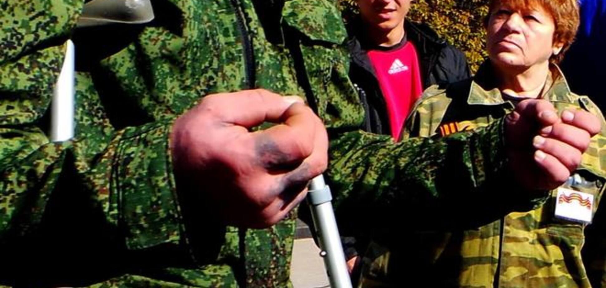В Донецке люди со свастикой требовали отменить 'выборы' и объявить войну Украине