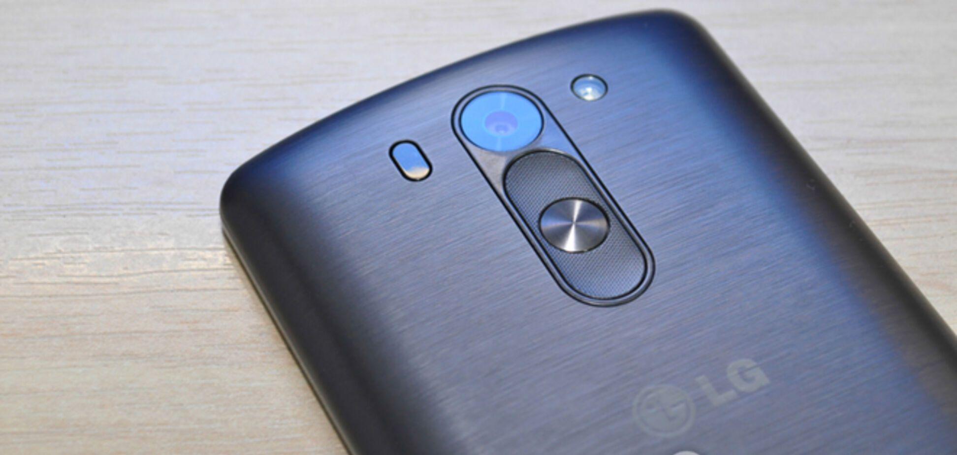Смартфон LG G3s Dual: делать это сзади оказалось удобнее