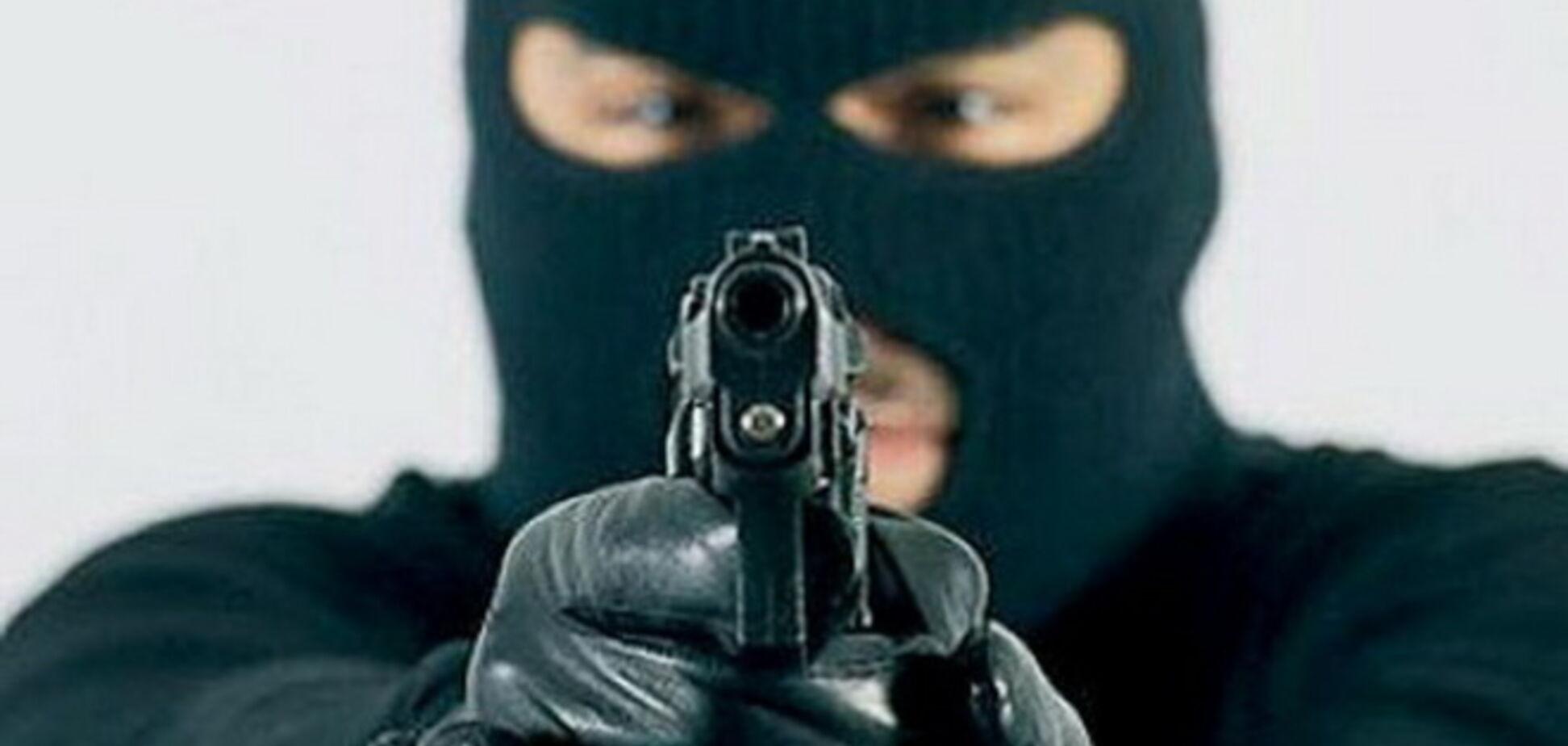 На Черниговщине вооруженные налетчики похитили у экспедиторов 80 тыс. грн