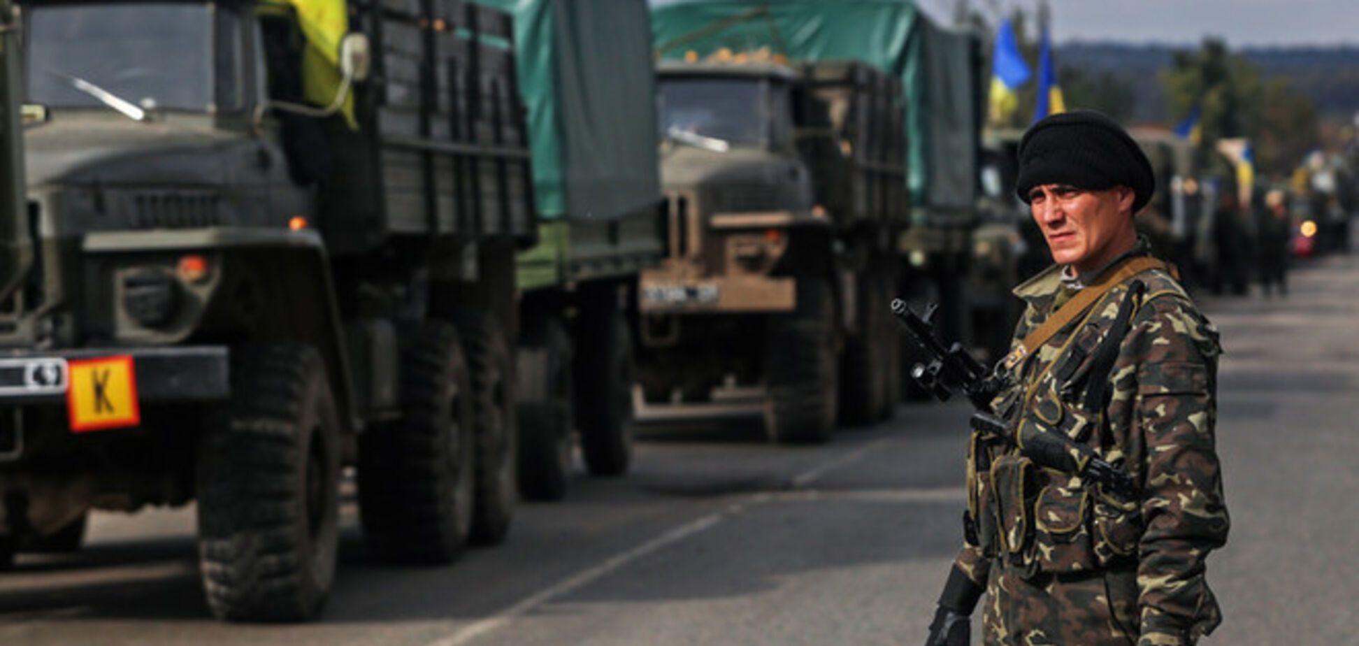 Полторак поручил ускорить обеспечение бойцов АТО оружием и военной техникой