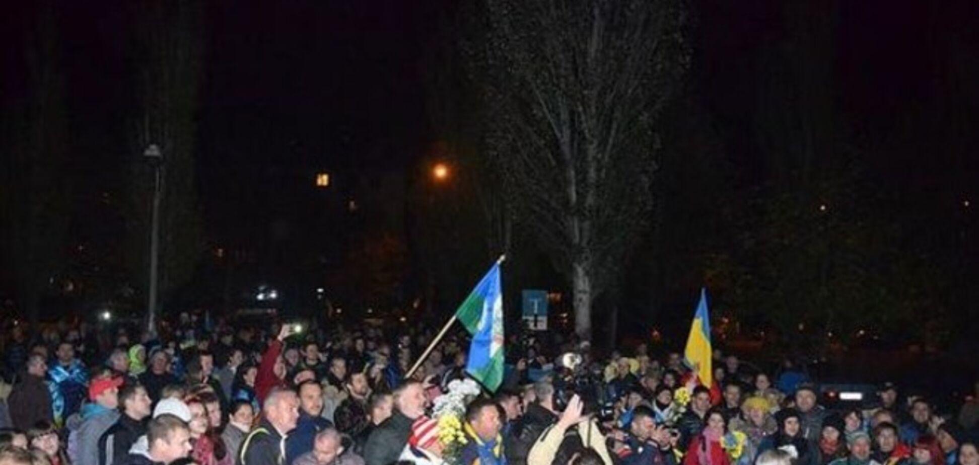 Сотни николаевцев встретили 'киборгов' из донецкого аэропорта: опубликованы фото