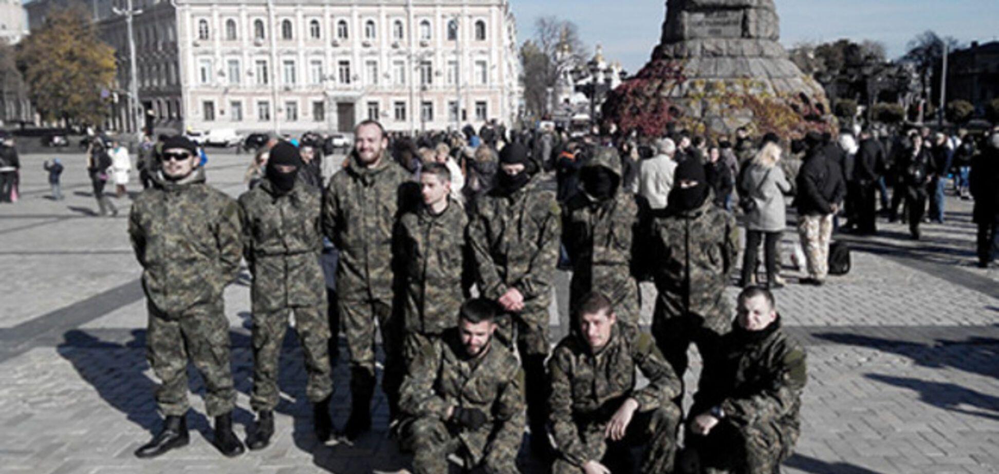 Сотня новобранцев 'Азова' отправилась в зону АТО: опубликованы фото и видео