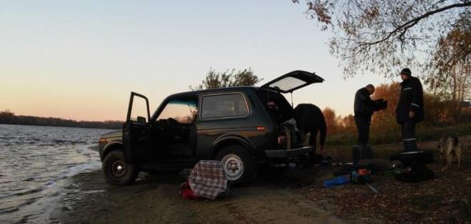 В Киеве утонул автомобиль, погибли водитель и собака