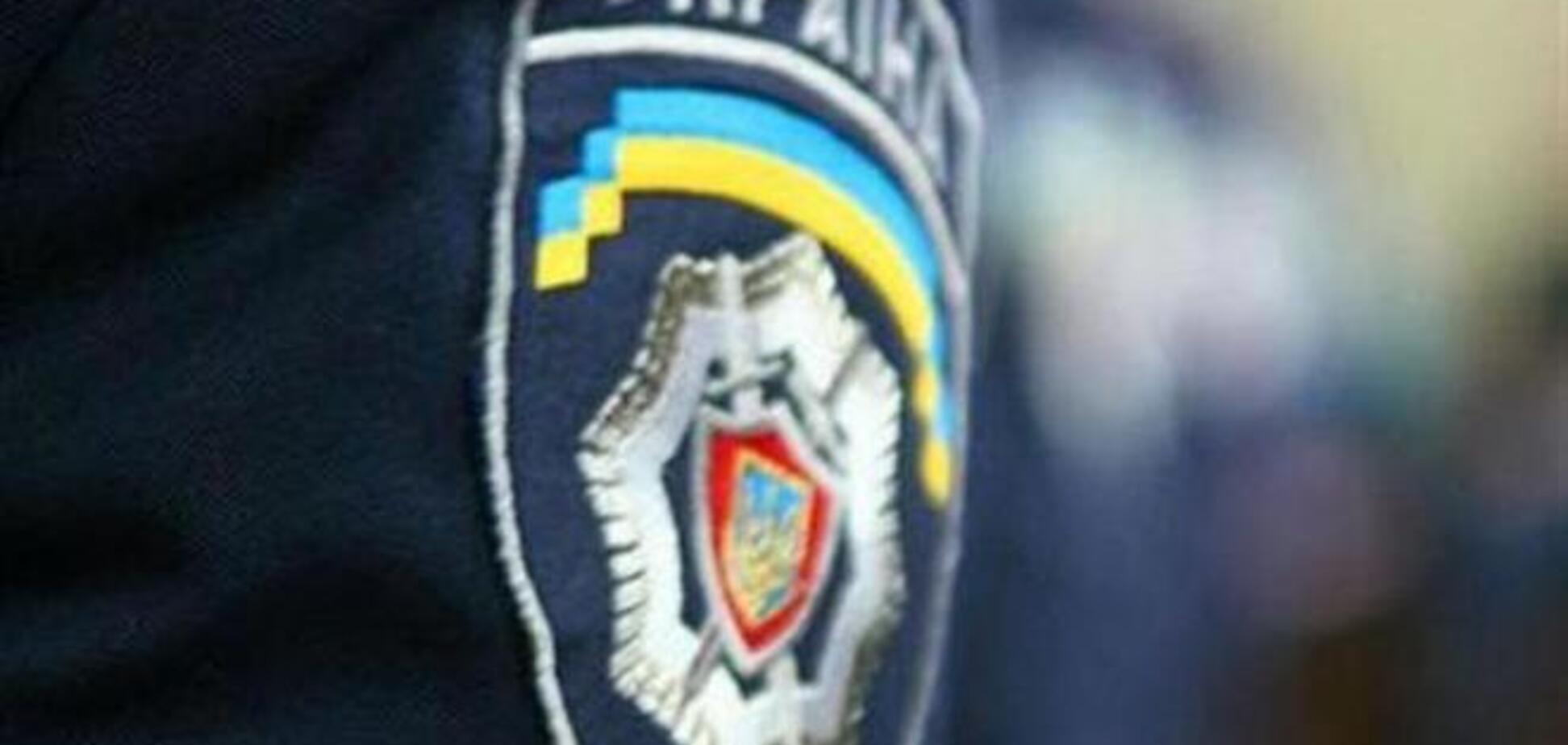 На Киевщине сожгли иномарки с агитками Лихолита, а представителю Ляшко разбили голову