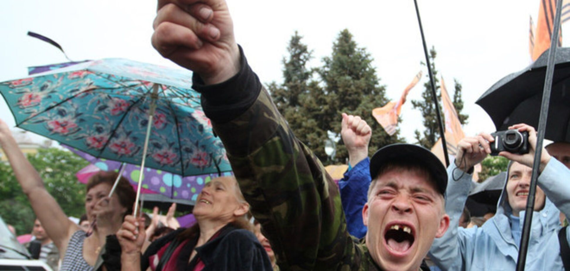 Согласно опросу, две трети луганчан не хотят быть 'гражданами ЛНР'