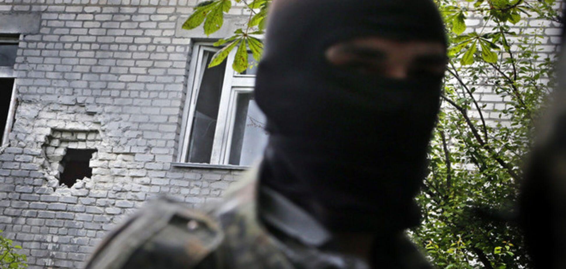 Террористы более 2000 раз атаковали бойцов АТО за время 'перемирия' - дипломат