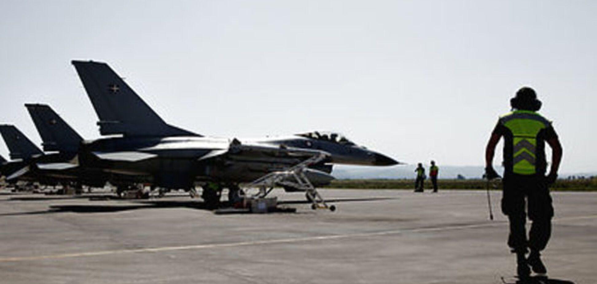 Дания подняла в воздух два истребителя из-за вторжения самолета России в воздушное пространство страны