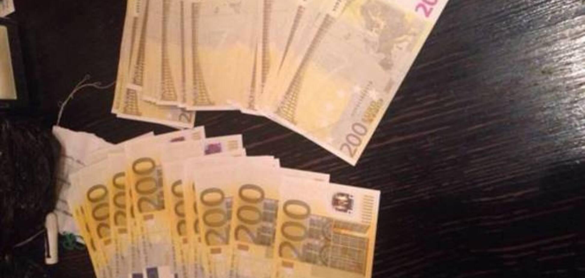 В Украине перекрыли международный канал поступления поддельной валюты: опубликованы фото