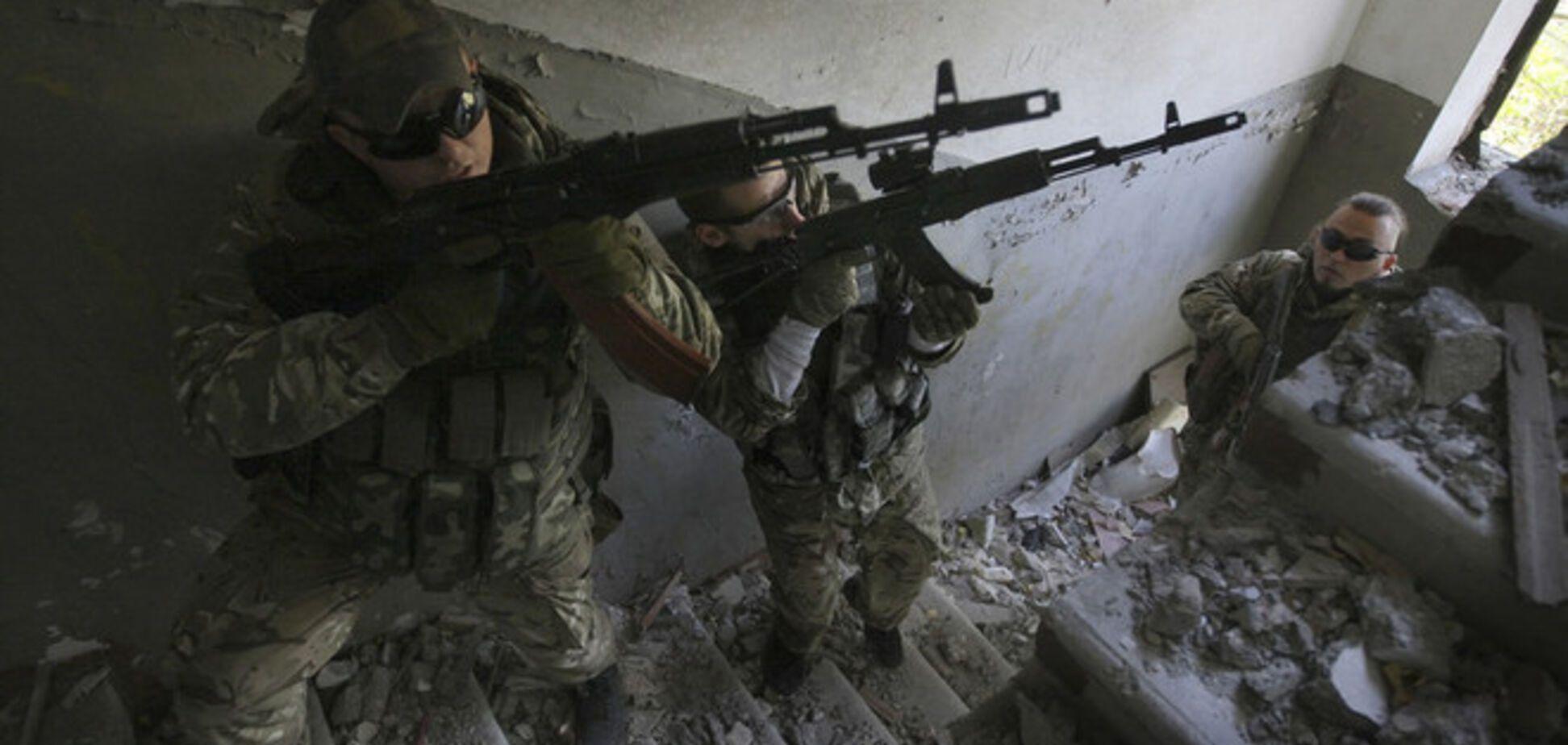 В Донецке всю ночь обстреливали жилые районы и неудачно штурмовали аэропорт