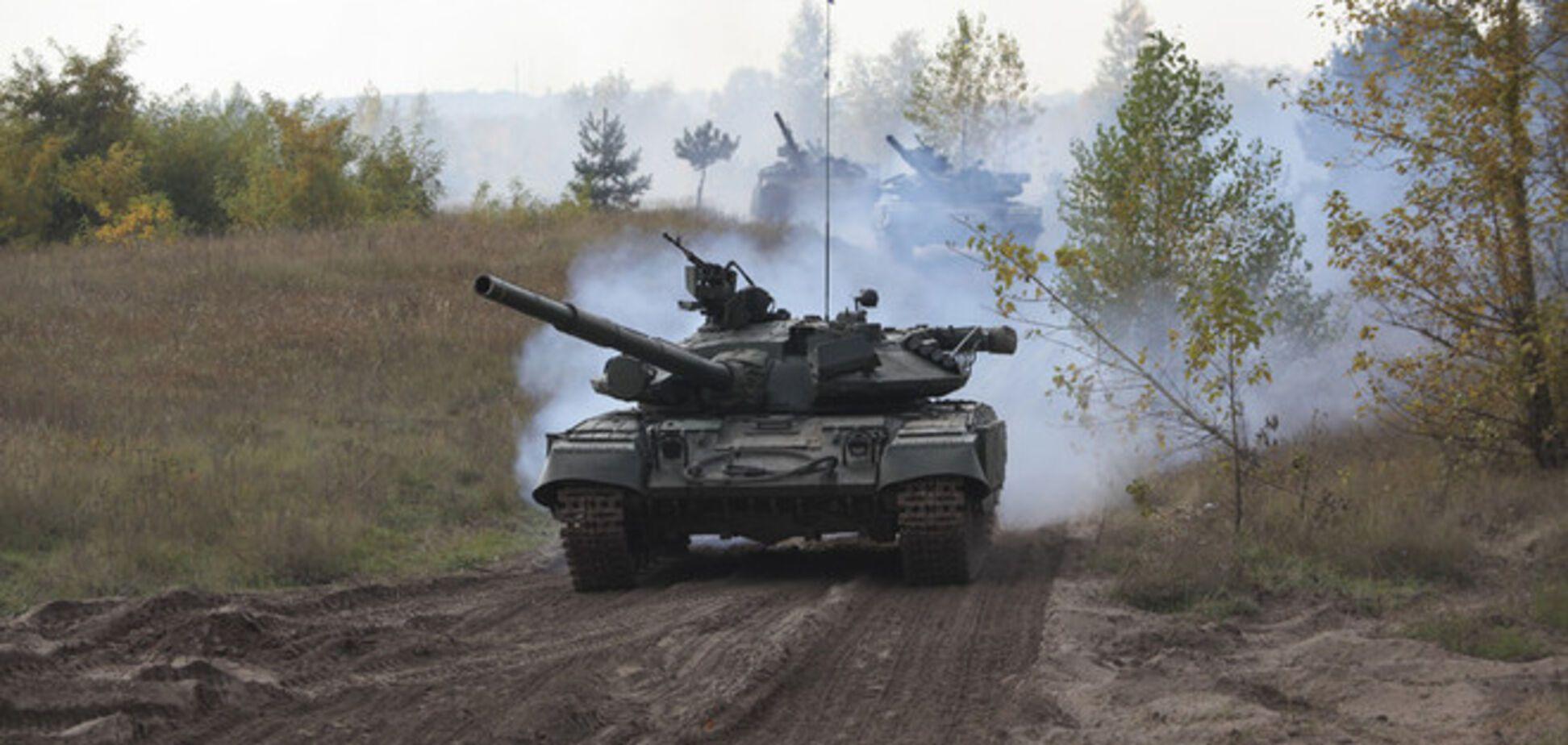 С территории России продолжают прибывать техника и боевики - СНБО