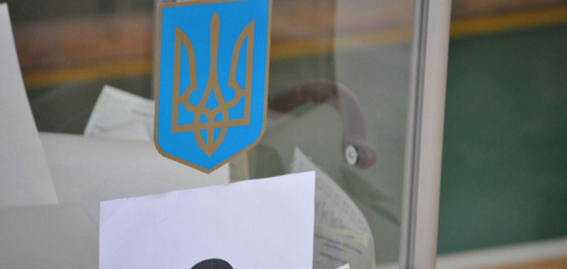 На Донбассе возле избирательного участка начался обстрел, гремят взрывы