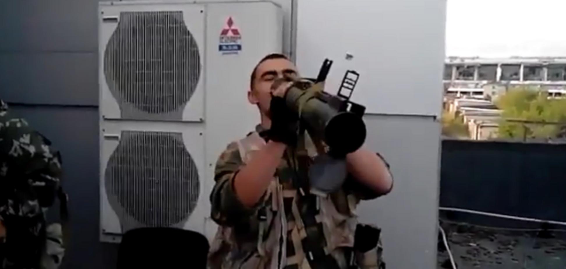 Терористи в донецькому аеропорту зганьбилися, показавши своє невміння поводитися з бойовою технікою: опубліковано відео