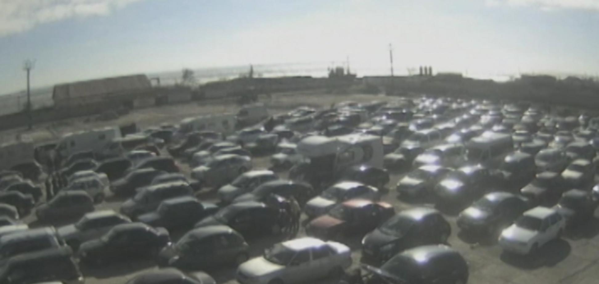 Шторм устроил коллапс на керченской переправе: в очереди стоят 1500 авто