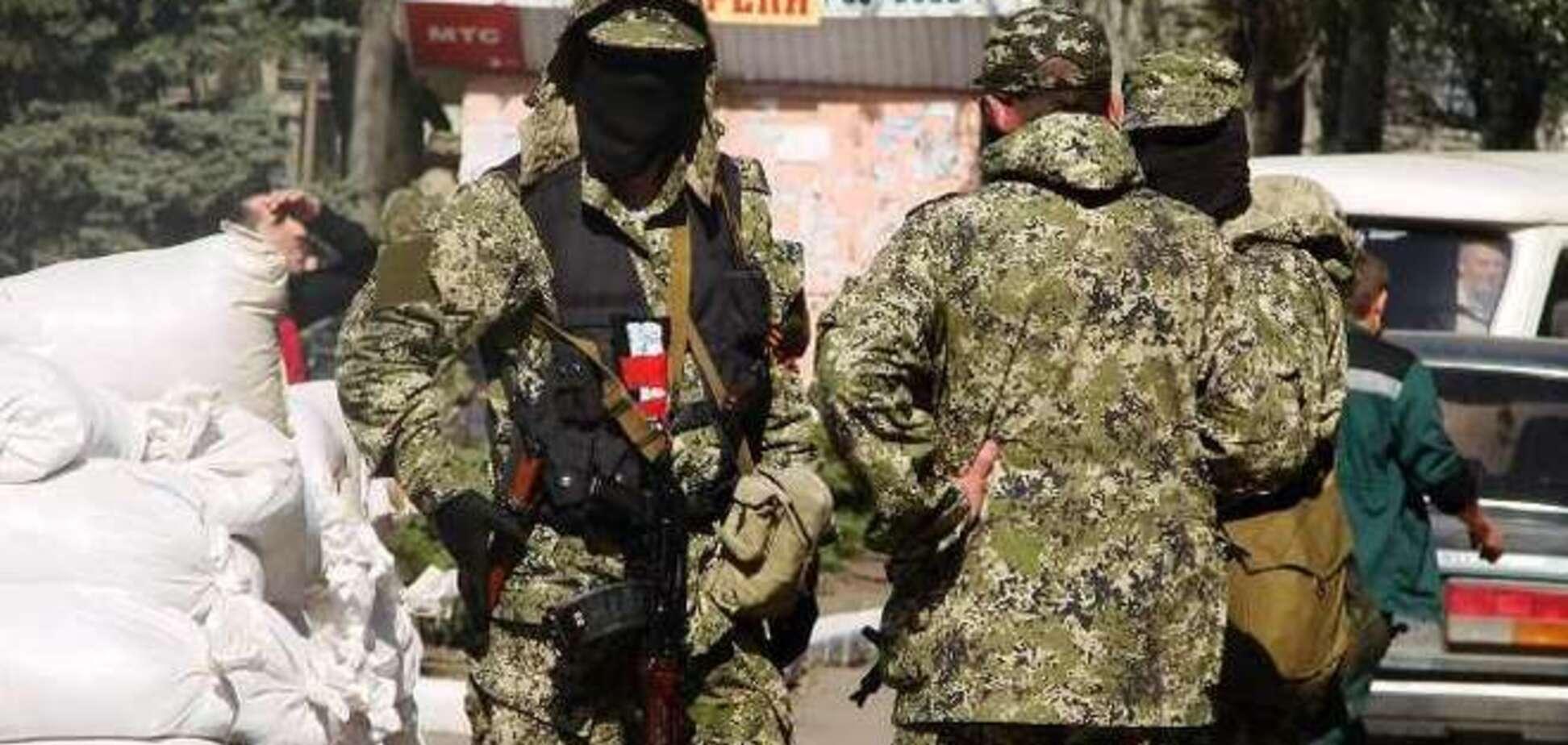 'Власти' Крыма активно поддерживают боевиков 'ДНР' людьми и оружием