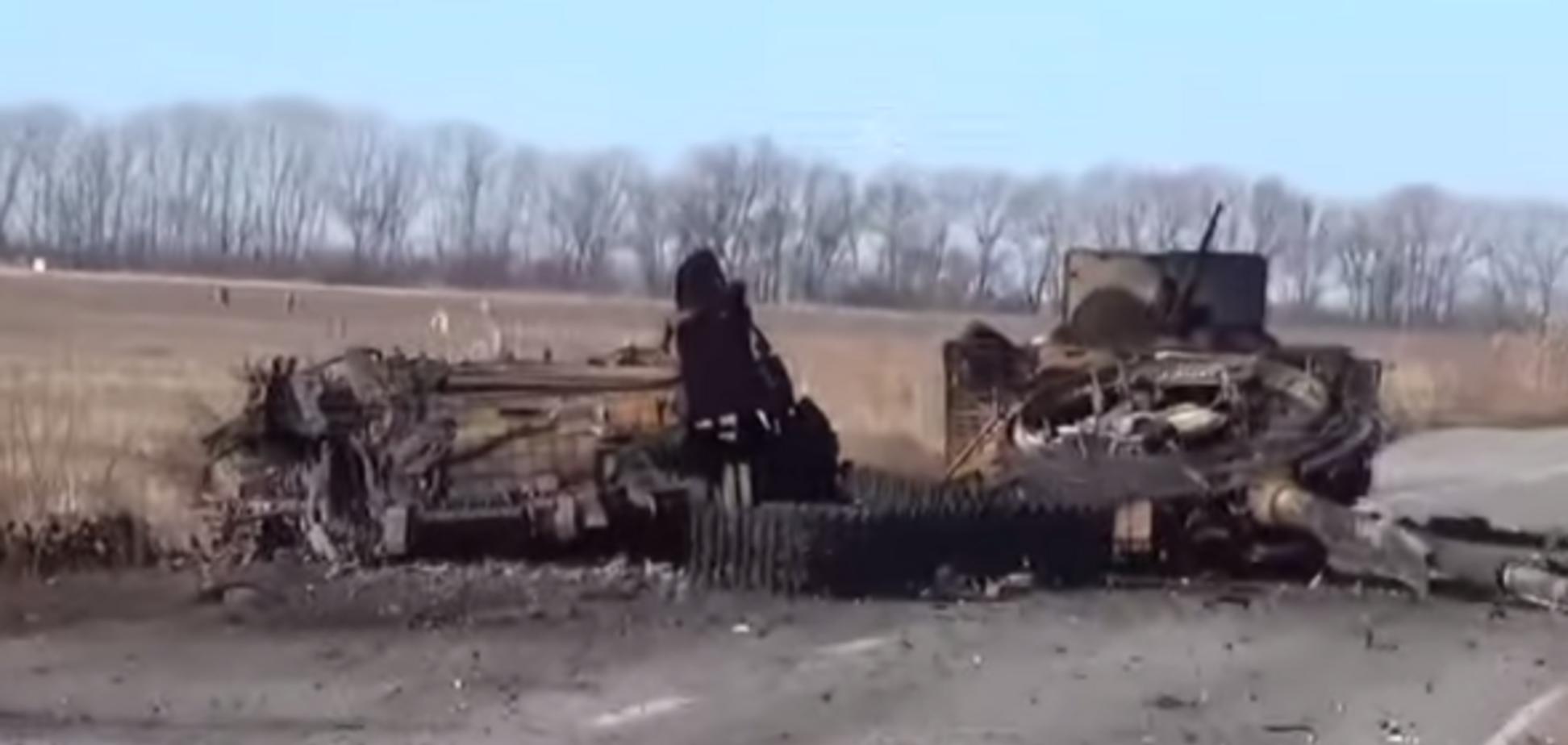 Боевики сняли на видео разбитую колонну ВСУ, прорывавшуюся к 32 блокпосту