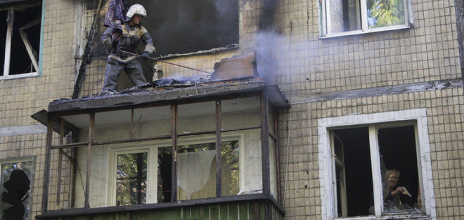 В ряде районов Донецка слышны выстрелы из тяжелых орудий