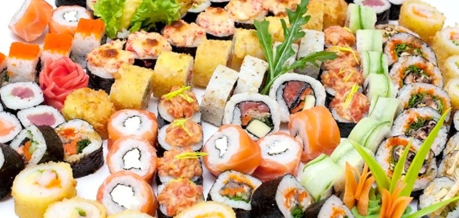 Одесский суши-бар ввел в меню 'Сепаратистов с жареным лососем' и 'Жареных титушек'