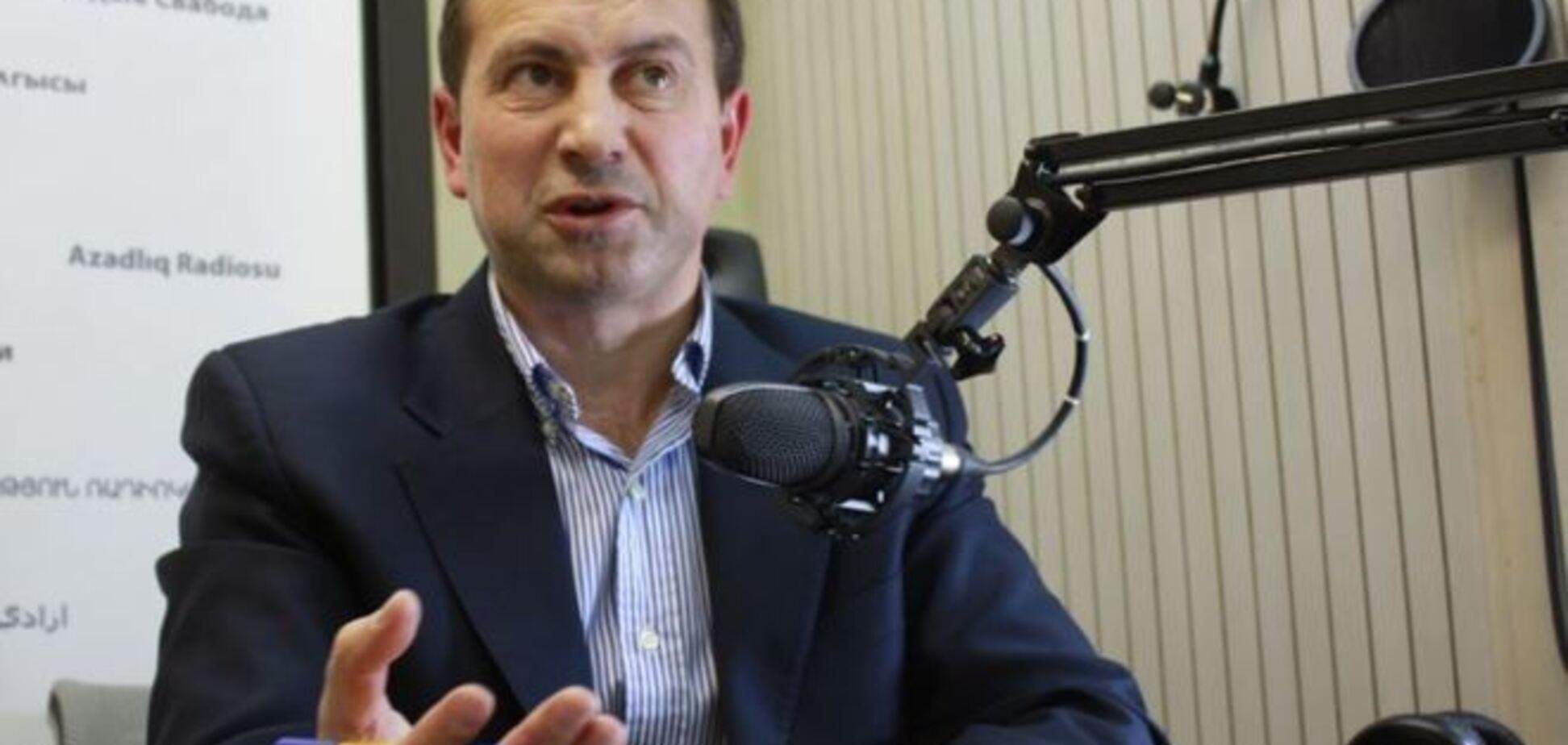 Томенко шокировали министры, пишущие в рабочее время философские опусы в сети