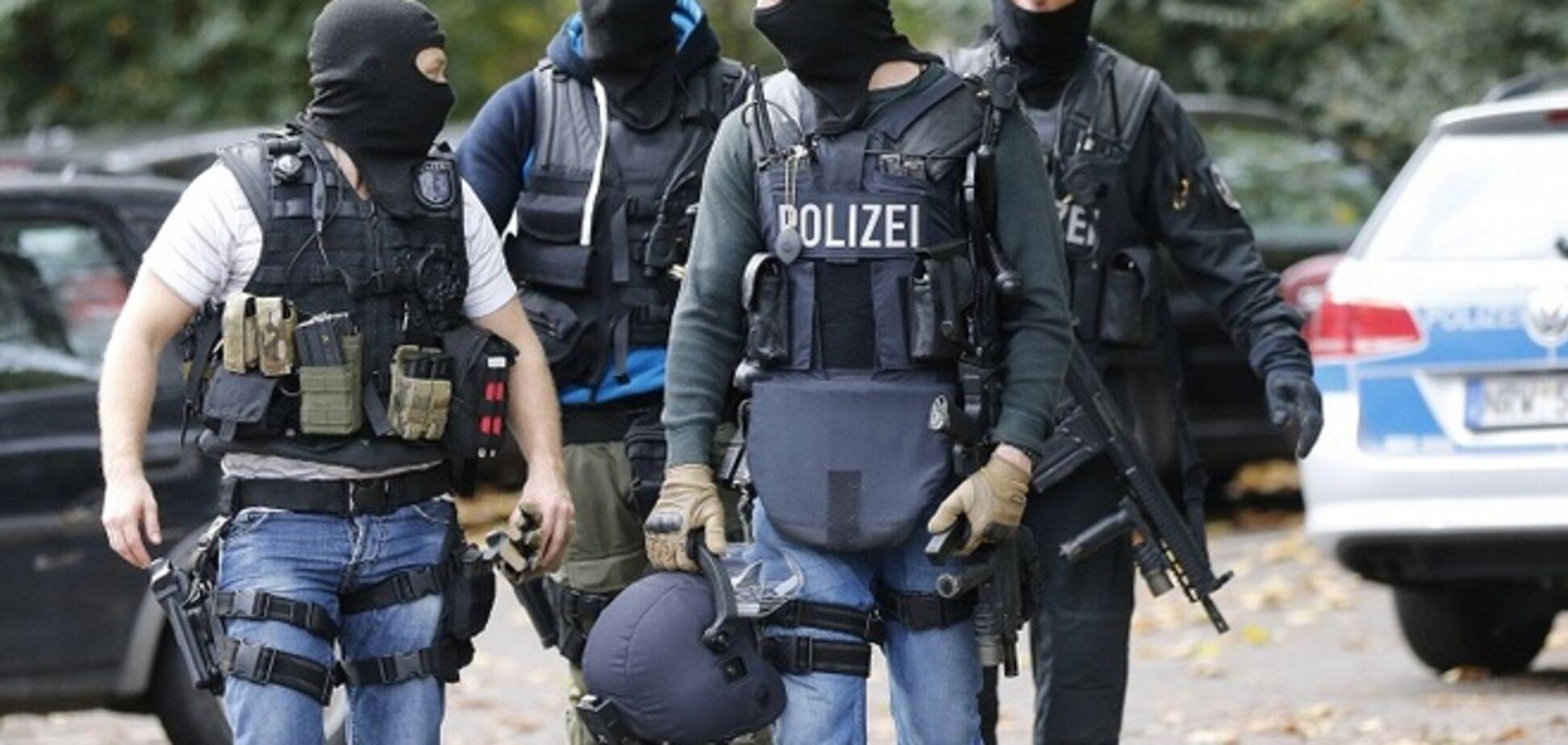 В Германии задержали мужчину, который в бункере с арсеналом оружия готовился к войне с Россией