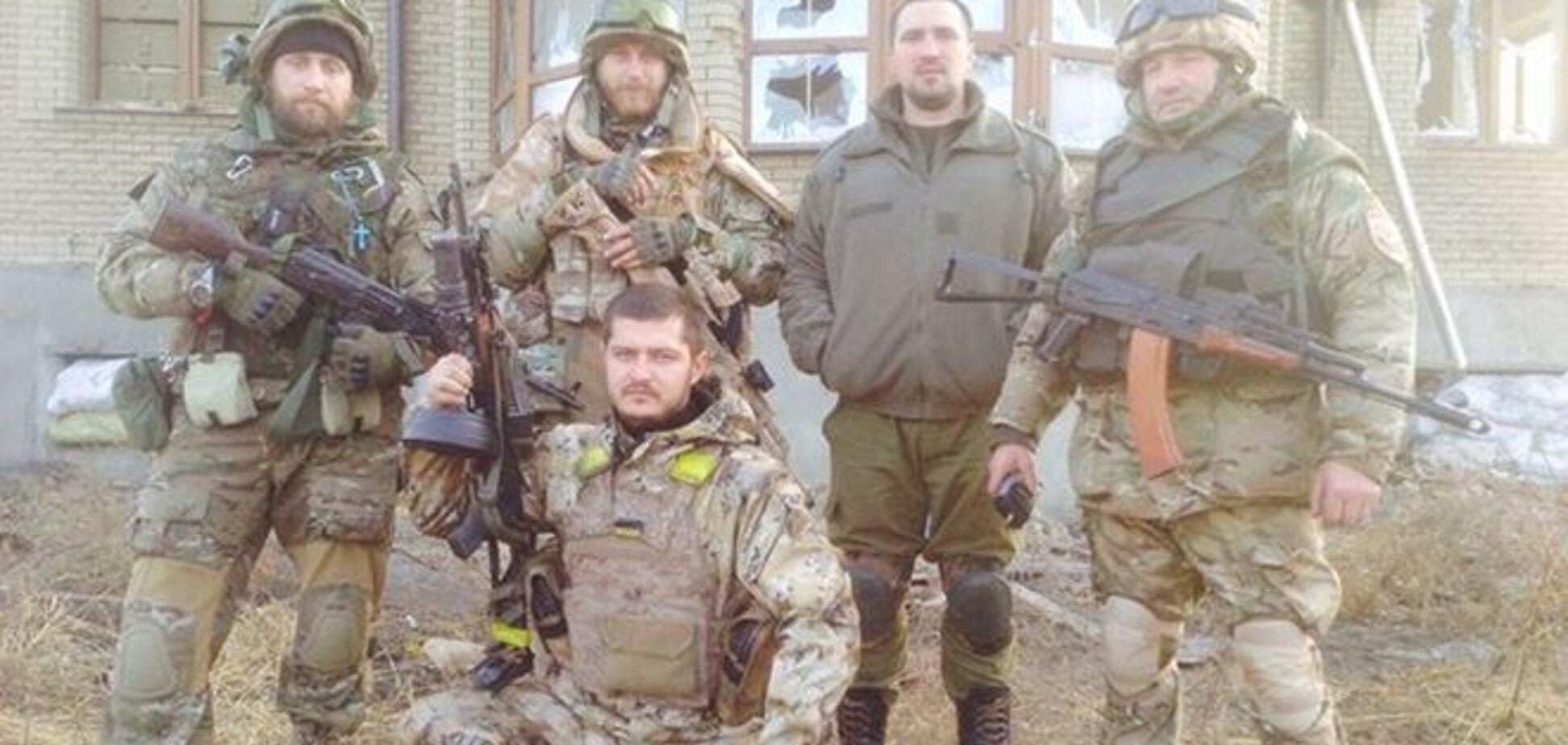 Рэпер Ларсон, воюющий в АТО, показал обстрел поселка Пески и элитные 'брошенки'