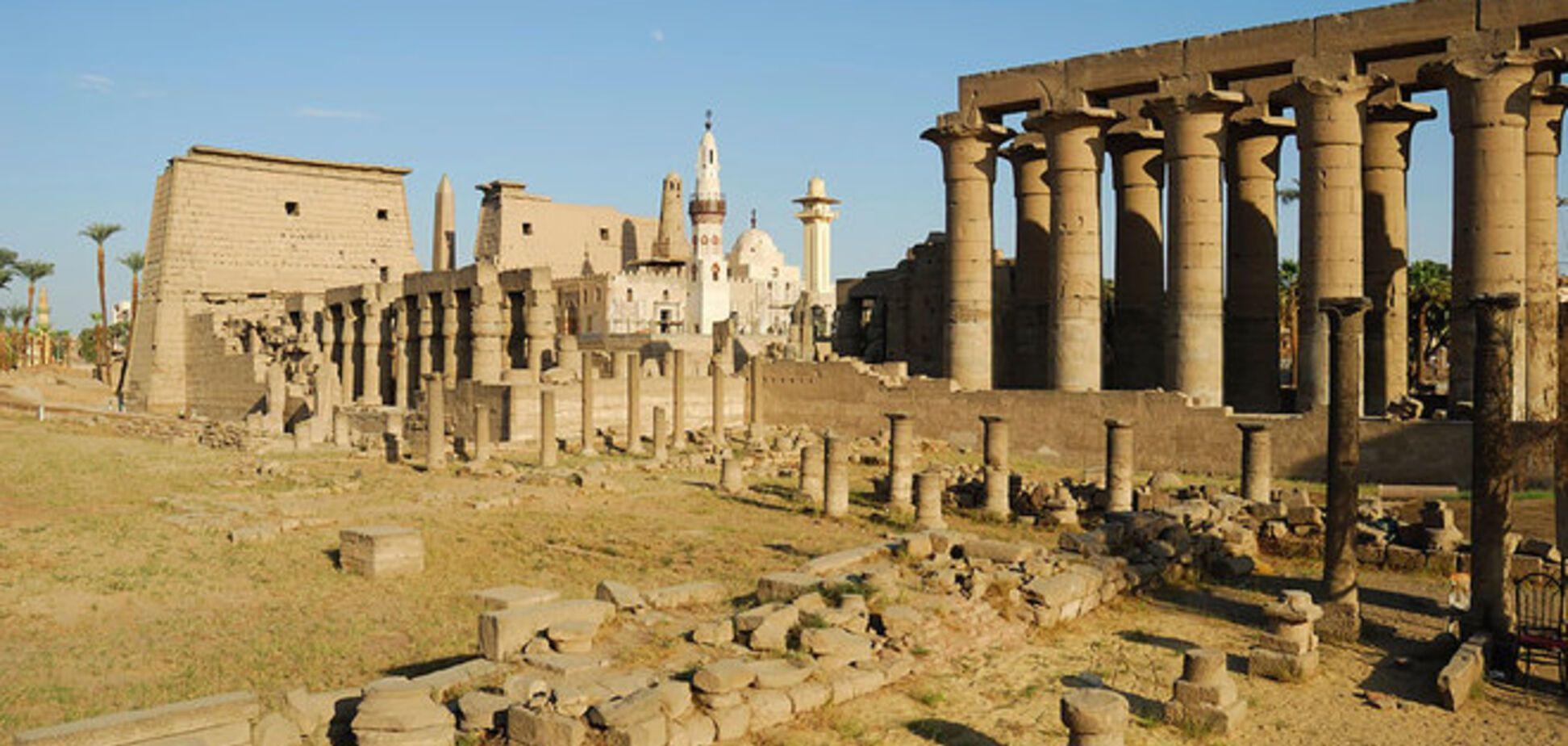 В Египте раскопали нетронутую гробницу возрастом в 5 тысяч лет