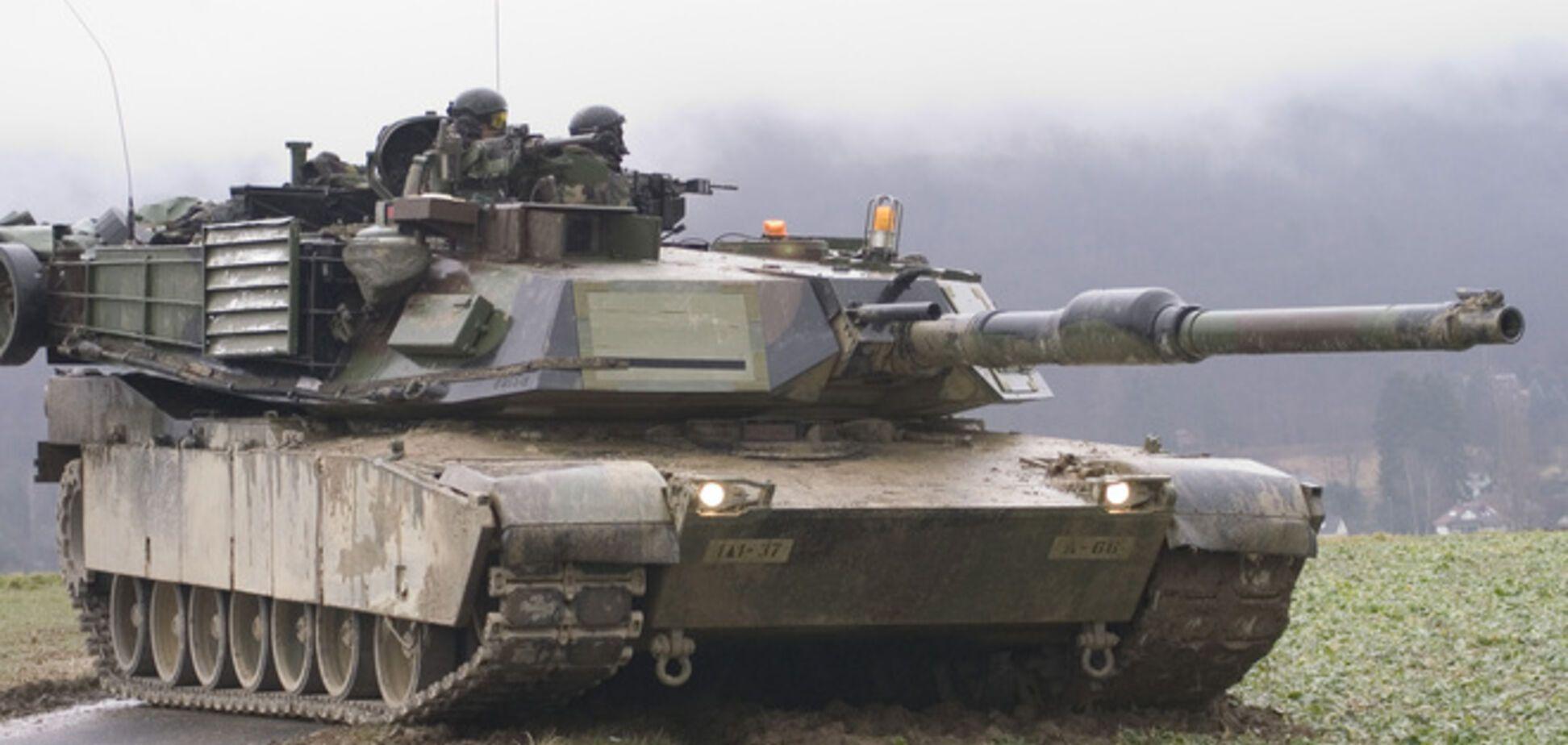 США назвали причину розміщення танків біля кордонів Росії