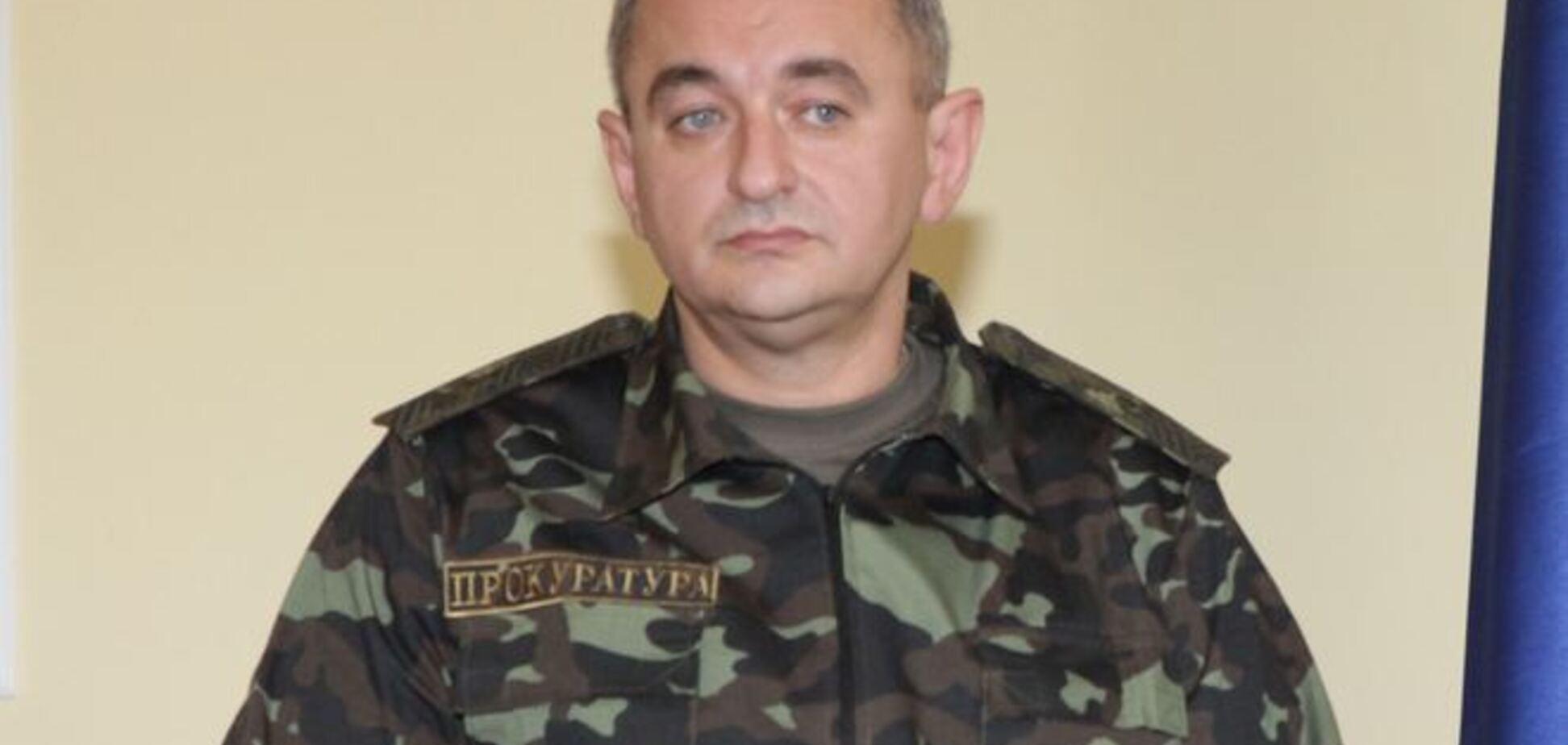 Автомайдановцы облили водой главного военного прокурора