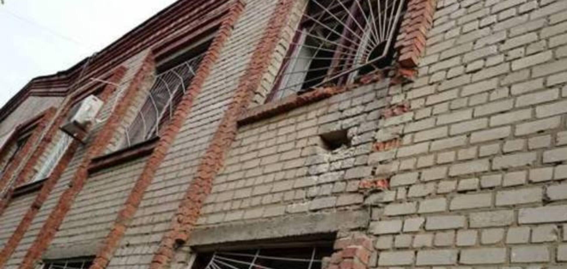 В Харькове из гранатомета обстреляли военкомат: опубликованы фото