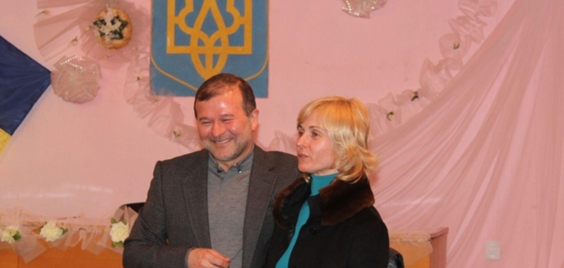 На Закарпатье местные жители пристыдили 'бездельника' Балогу с супругой
