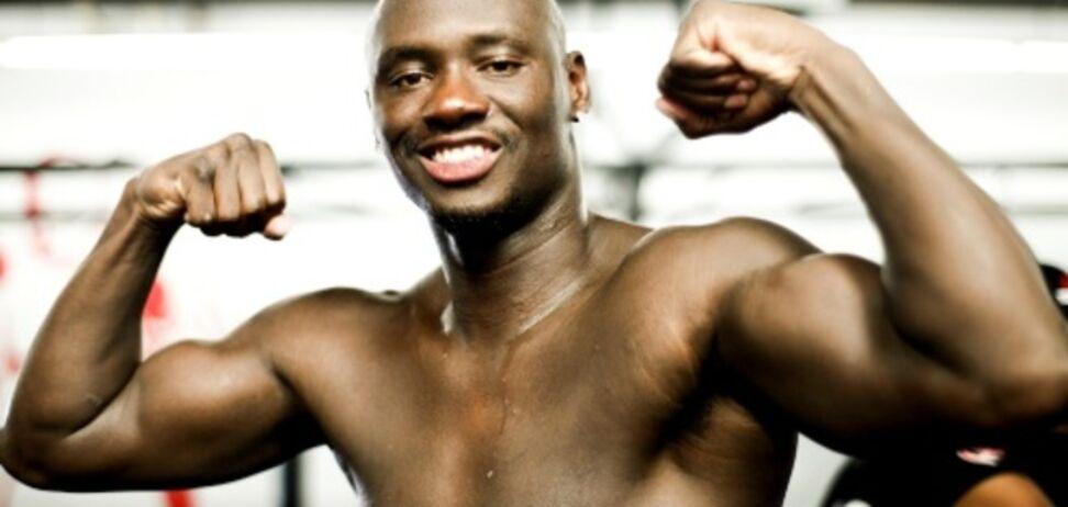 Американский боксер пообещал 'надрать задницу' Кличко