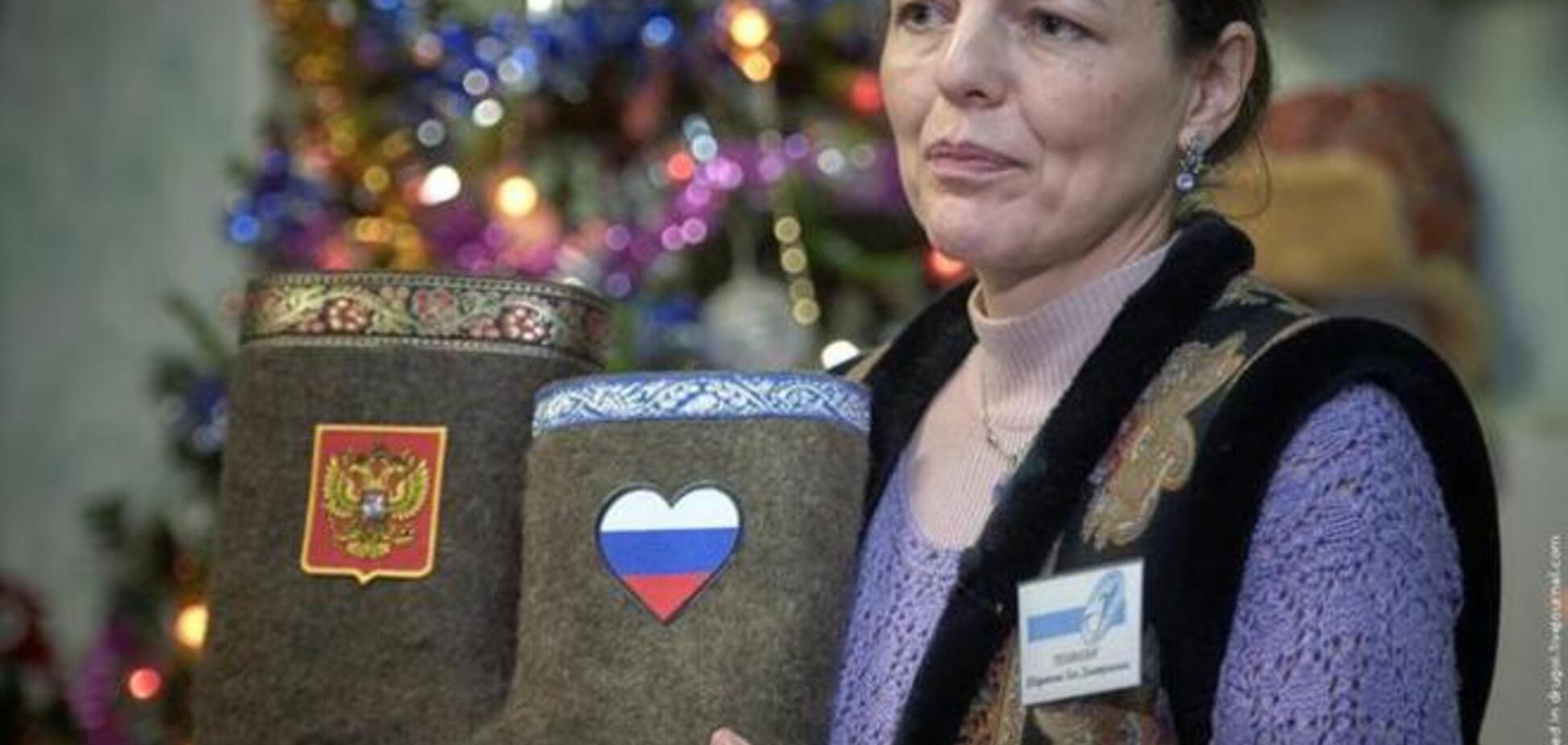 У Росії винайшли найпотужнішу 'зброю' проти санкцій - валянки з нацсимволікою
