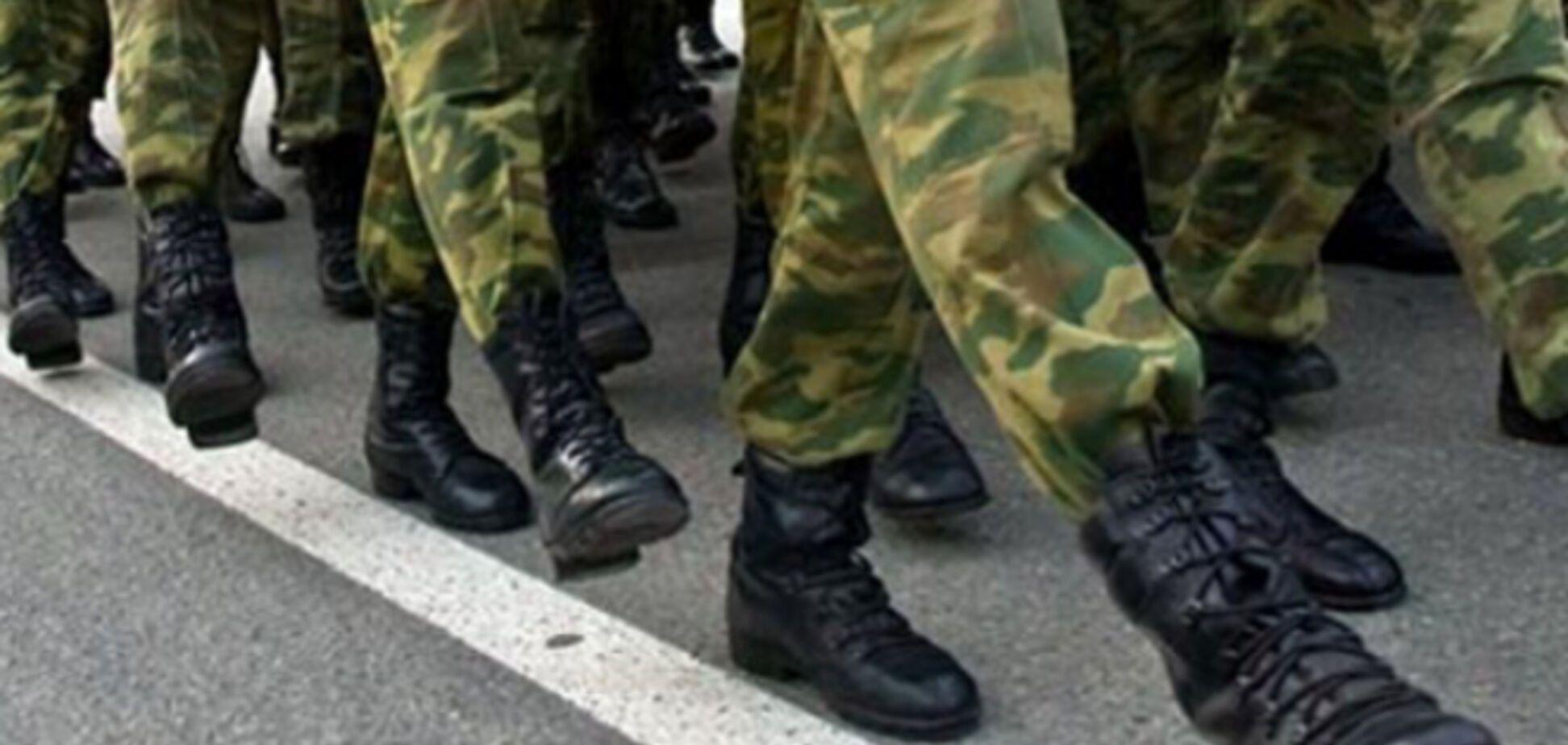 Порошенко пообещал не отправлять солдат-срочников в зону АТО