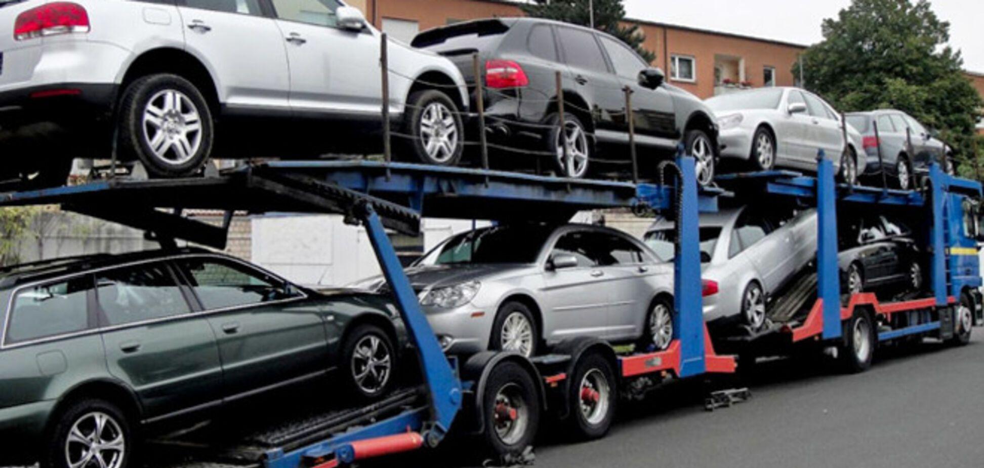Кабмин хочет обложить налогом в 25 тыс. авто с объемом двигателей более 2,5 литра