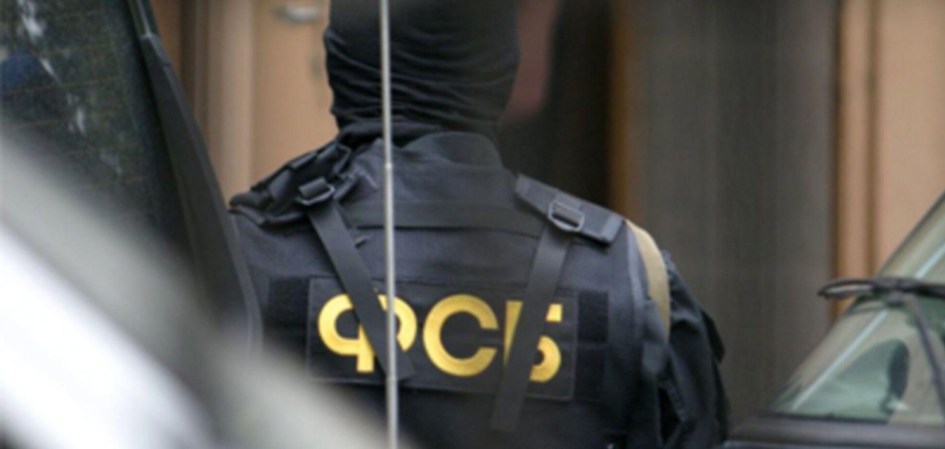 В России взрослая жизнь наступает с первым звонком от ФСБ и с первыми угрозами