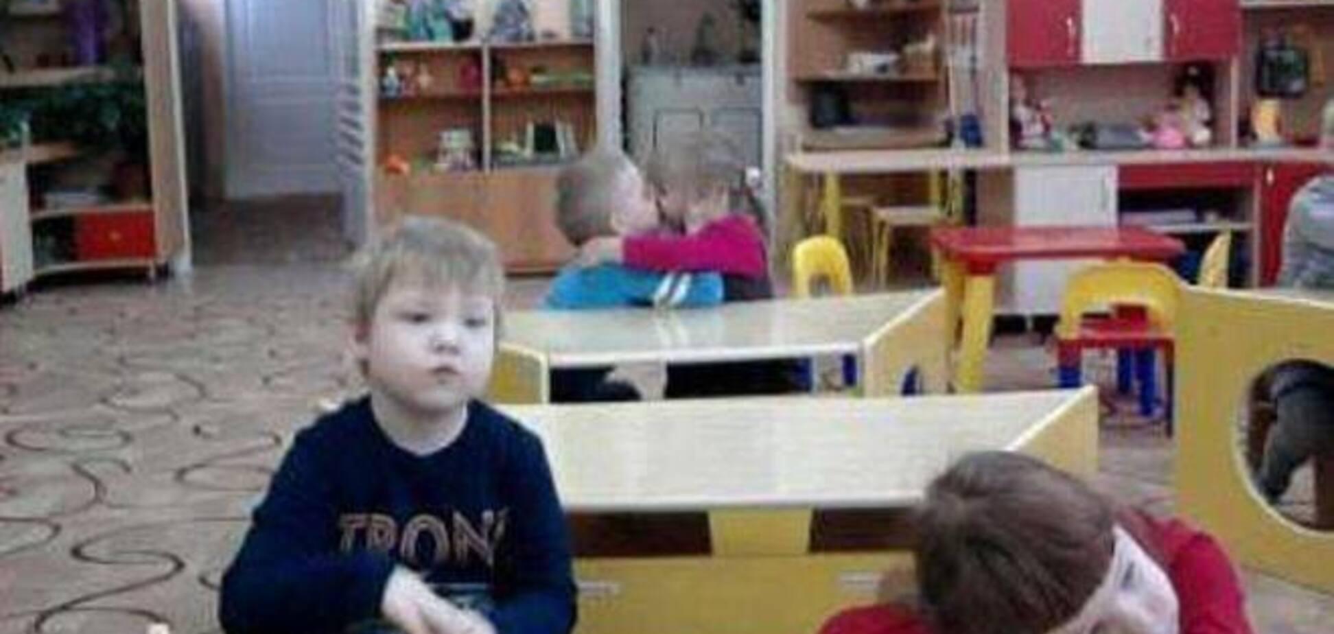 Что происходит на задних партах в детском саду: смешное фото