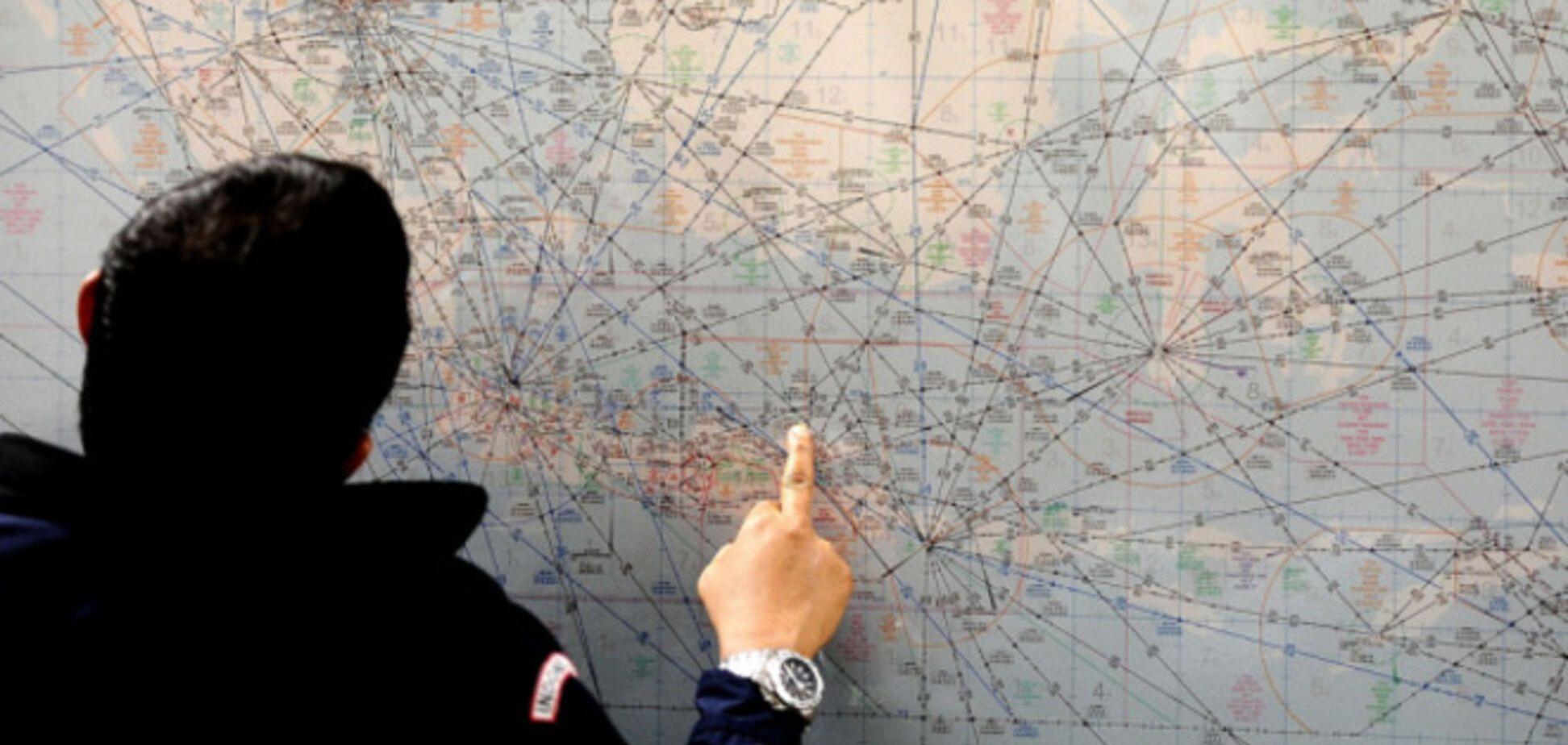 Лайнер AirAsia перед зникненням намагався змінити маршрут