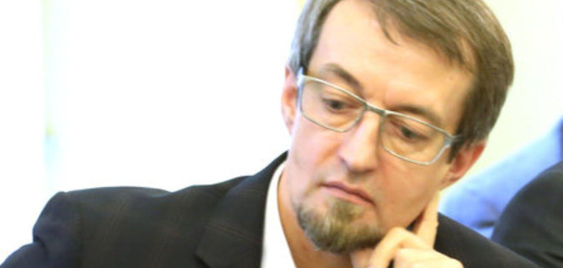 Вице-канцлер Минкультуры Эстонии украл из магазина вино и мороженое, а потом уволился