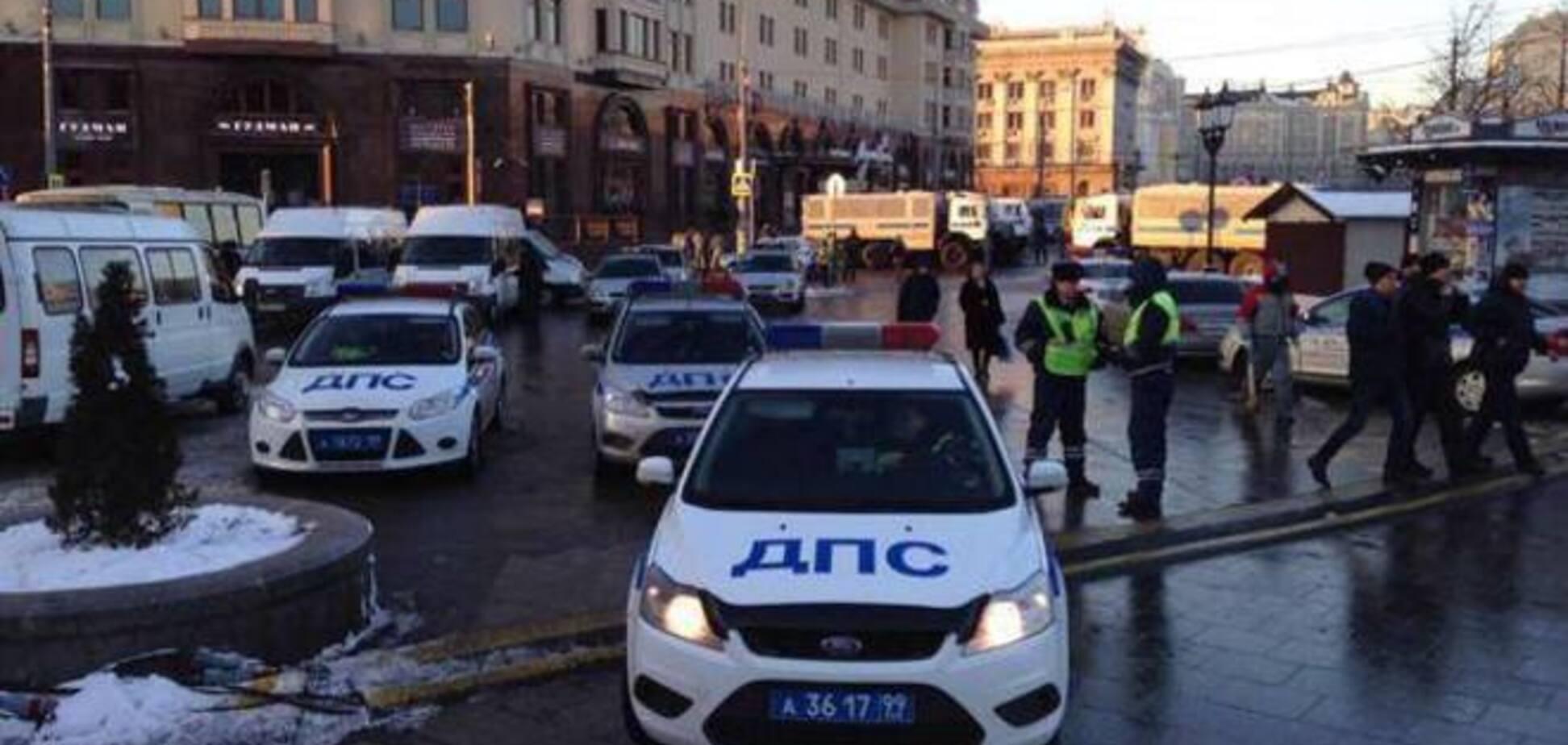 Кремль готується до масштабного мітингу: вхід на Манежну перекритий поліцією з усіх боків