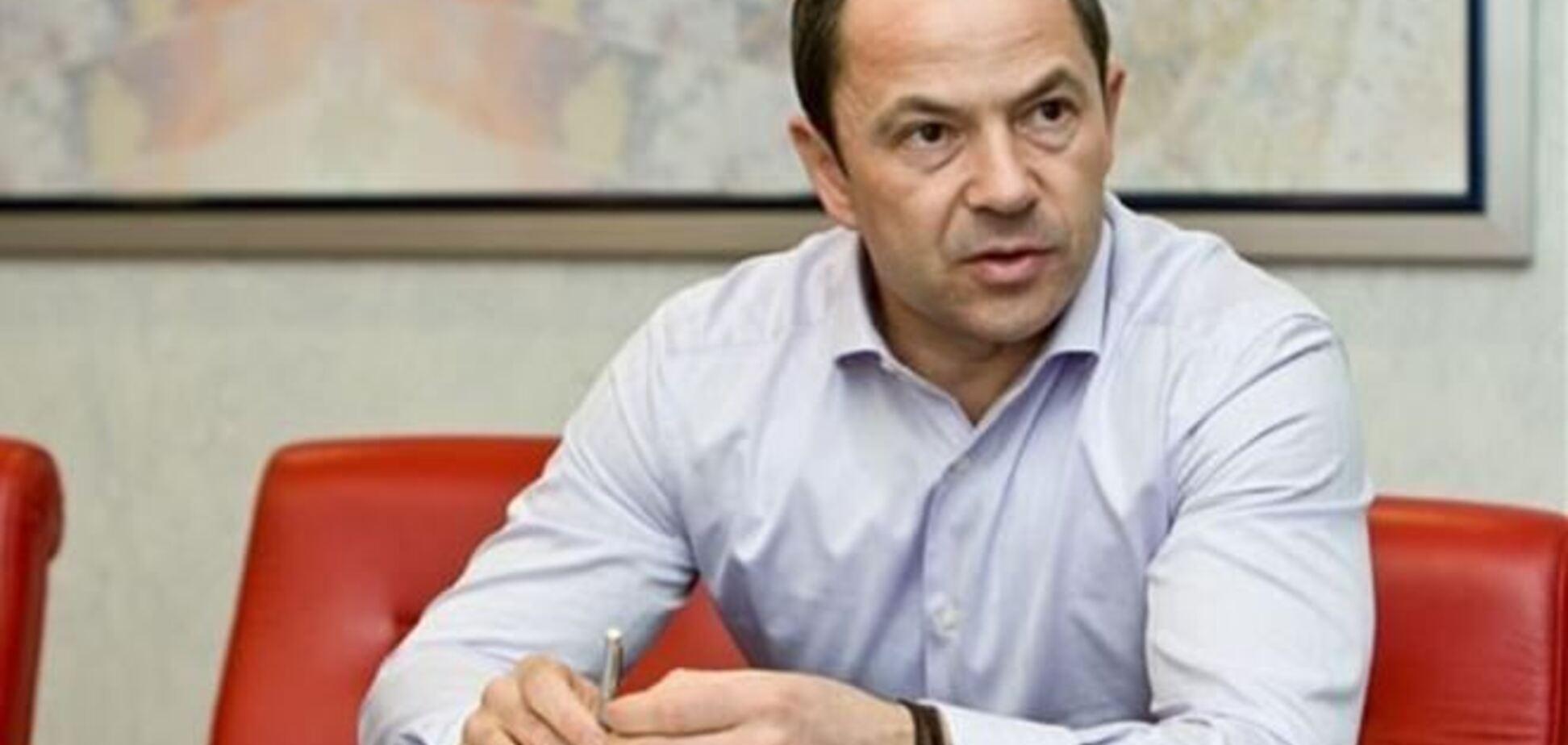 Тігіпко вважає провальною роботу Кабміну, але з ПР не вийде