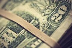 Банкир считает, что в феврале доллар будет колебаться в пределах 8,5-9 грн