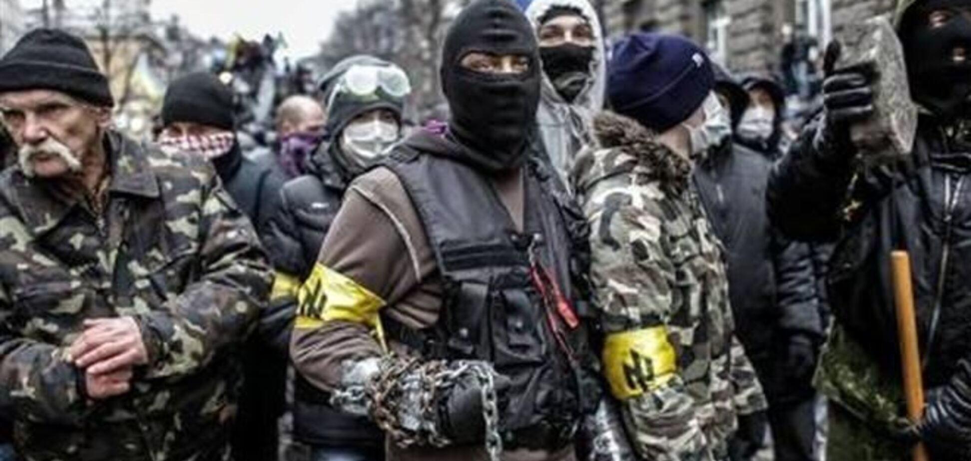 'Правый сектор' призвал владельцев огнестрельного оружия встать на защиту Майдана