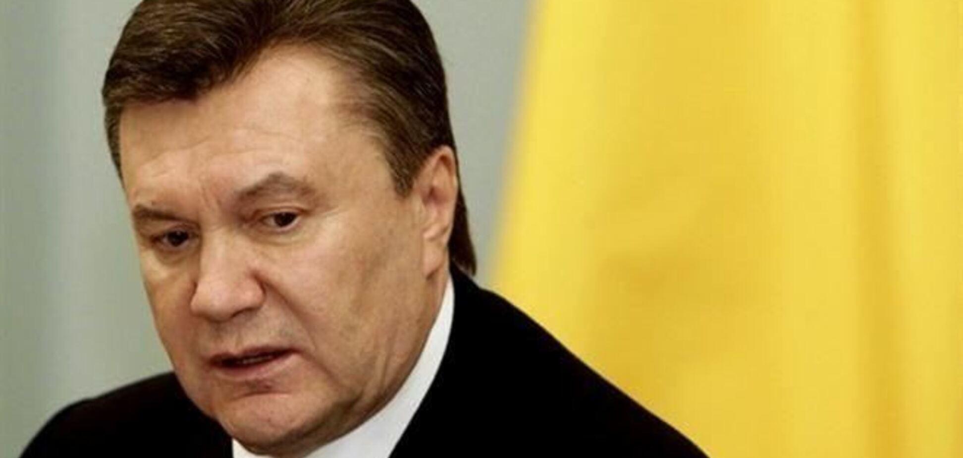 Янукович в понеділок вийде на роботу після лікарняного