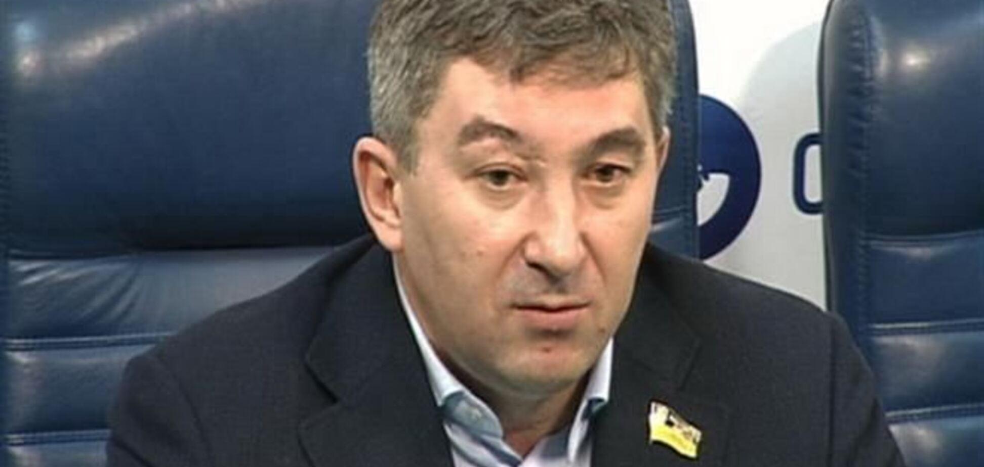 Регіонал на Евромайдане закликав місцеві громади скласти списки чиновників-порушників