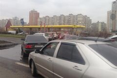 На столичных заправках может исчезнуть бензин