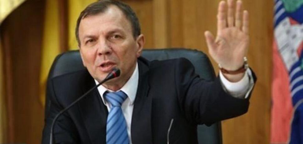 У мэра Ужгорода требуют полмиллиона долларов за безопасность семьи