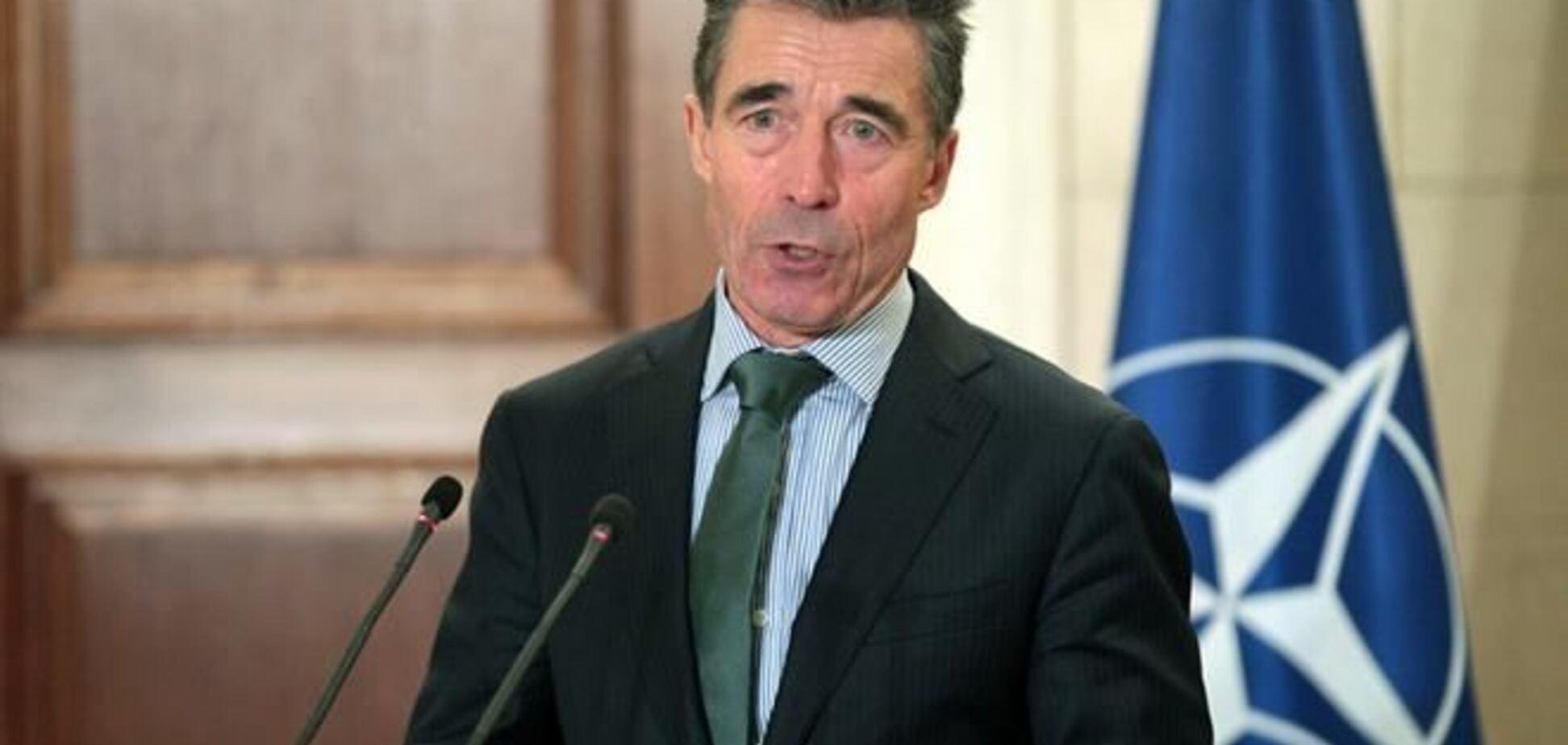 Расмуссен: Україна не обов'язково поспішати в НАТО, є справи важливіші