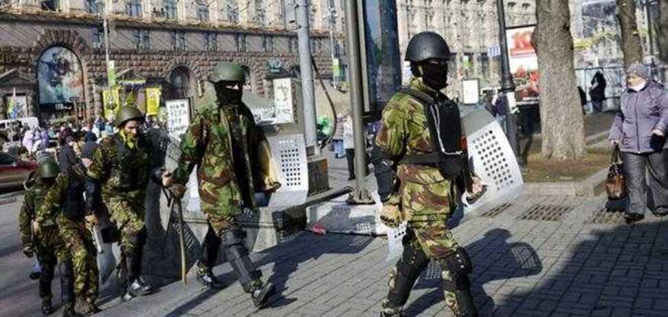 Москаль заявляет, что вооруженные люди с лозунгами Майдана мародерствуют и насилуют женщин