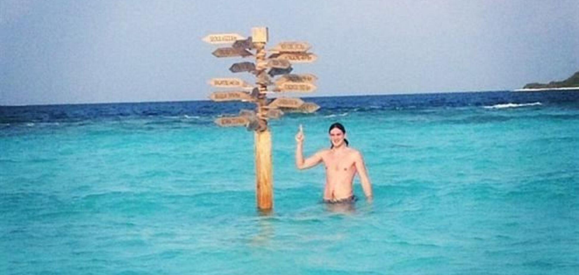Сын Кернеса показал, как отдыхает на Мальдивах