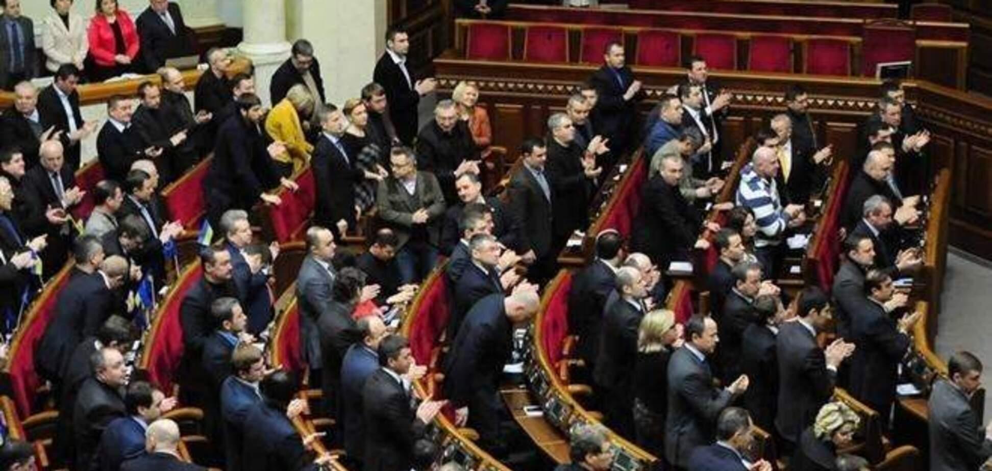 Експерт: дамоклів меч розпуску ВР змушує депутатів шукати компроміс