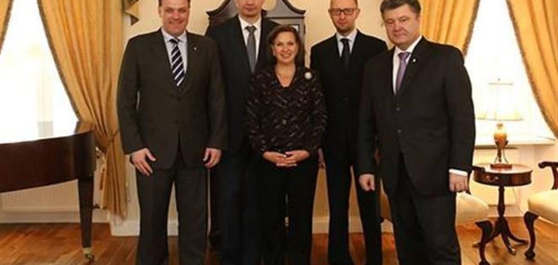 Нуланд зустрілася з лідерами опозиції